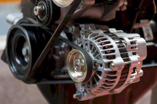 Для чего в автомобиле нужен генератор?
